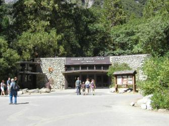 Information Center yang berfungsi juga sebagai Museum dan Theatre.