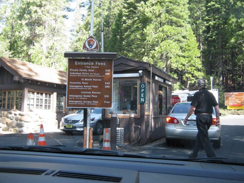 entrance-to-yosemite-national-park-may12